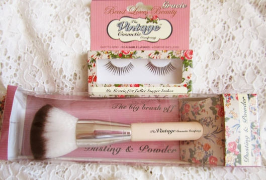 the vintage cosmetic company brush