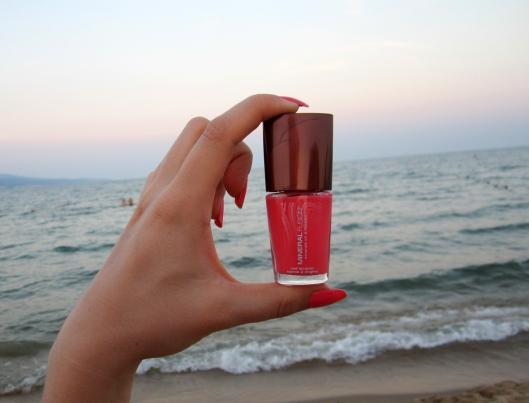 coral reef nail polish mineral fusion